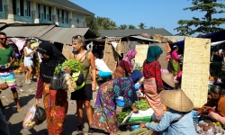 lombok-traditional-market