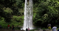 sendang-gile-waterfall