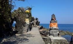 Batu-bolong-temple