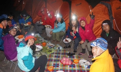 dinner-on-camp-site