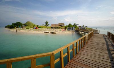 Lombok beach camping